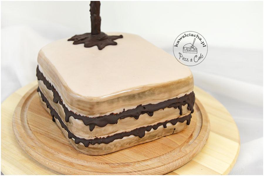 Antygrawitacyjny tort urodzinowy kanapka z nutellą