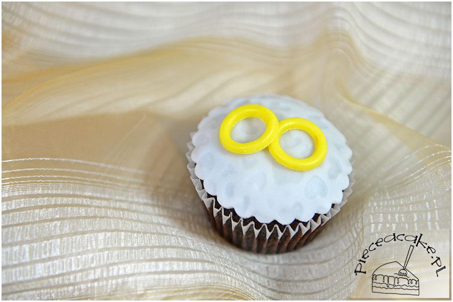muffinki z obrączkami na ślub