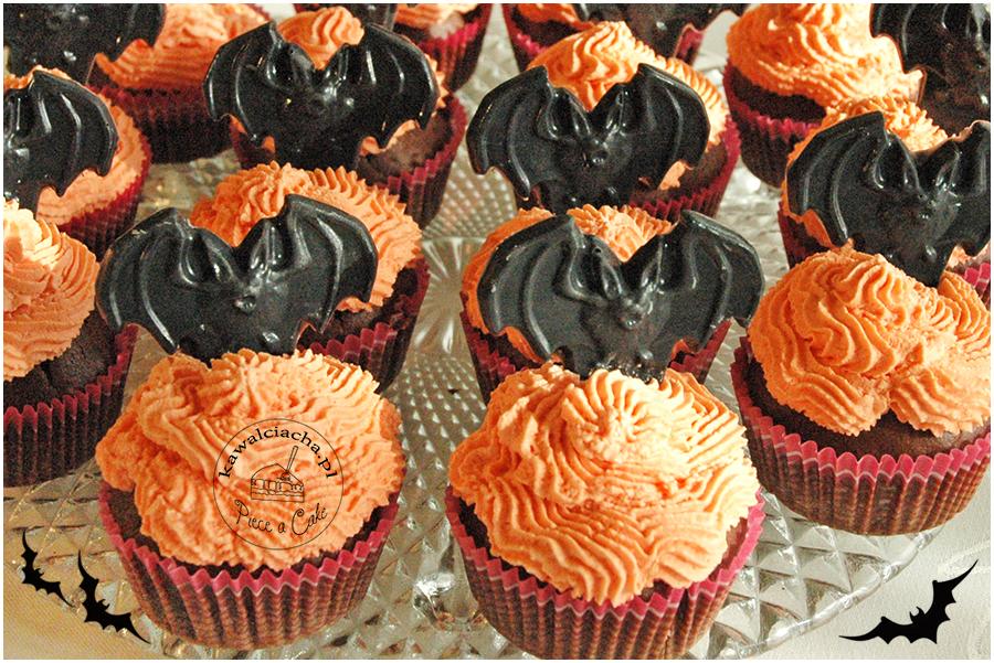 halloweenowe, babeczki z nietoperzami
