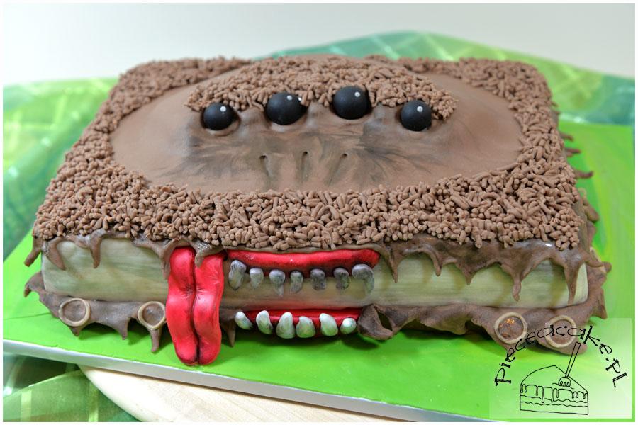 """Tort w stylu angielskim """"Potworna Księga Potworów"""""""