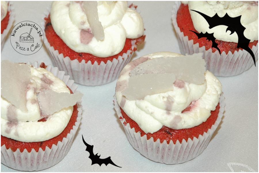 halloweenowe, krwawe babeczki