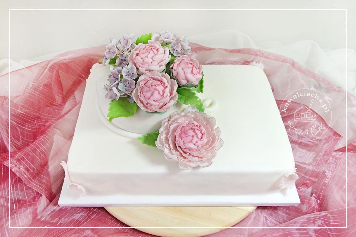 Tort komunijny w stylu angielskim Piwonie i hortensje