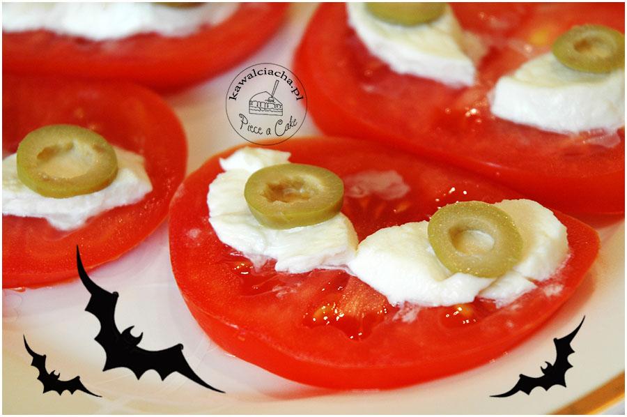 halloweenowe oczy w pomidorach