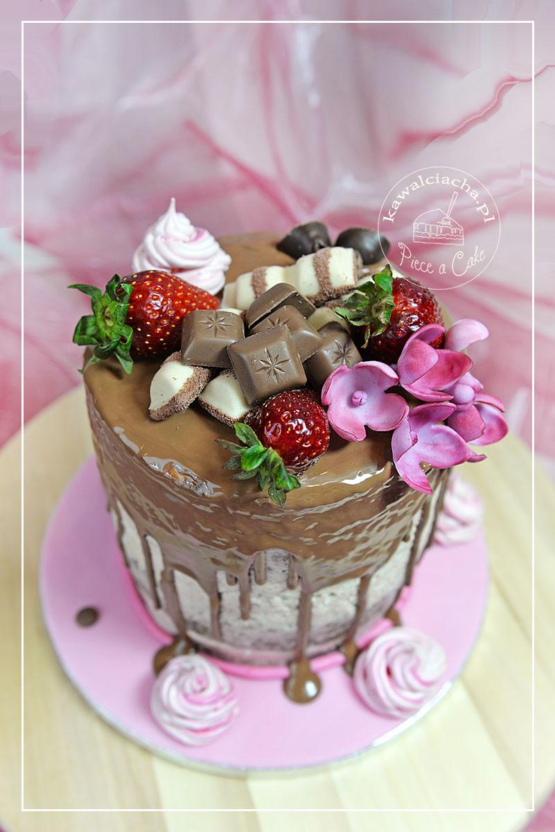 Naked cake czekoladowo - truskawkowy