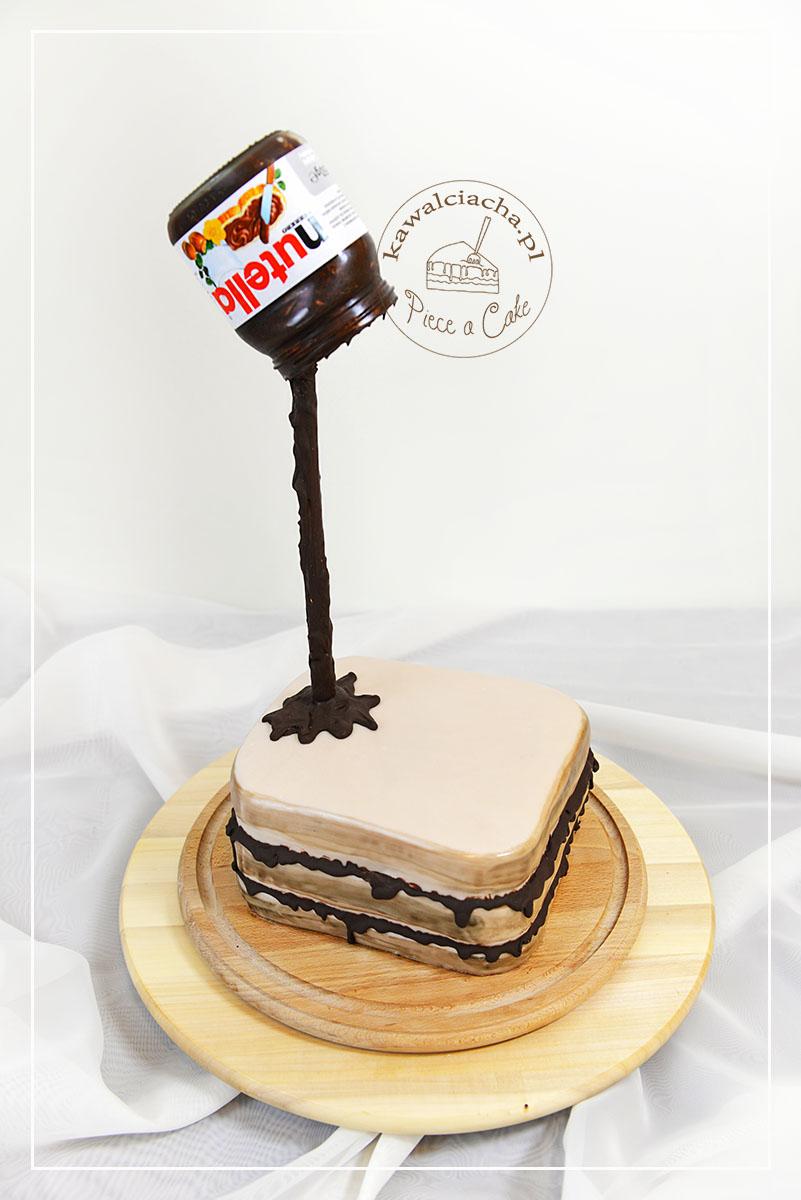 Tort antygrawitacyjny kanapka z nutellą