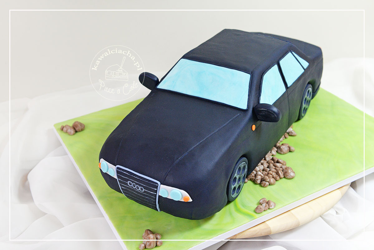 Tort na Dzień Chłopaka w kształcie Audi