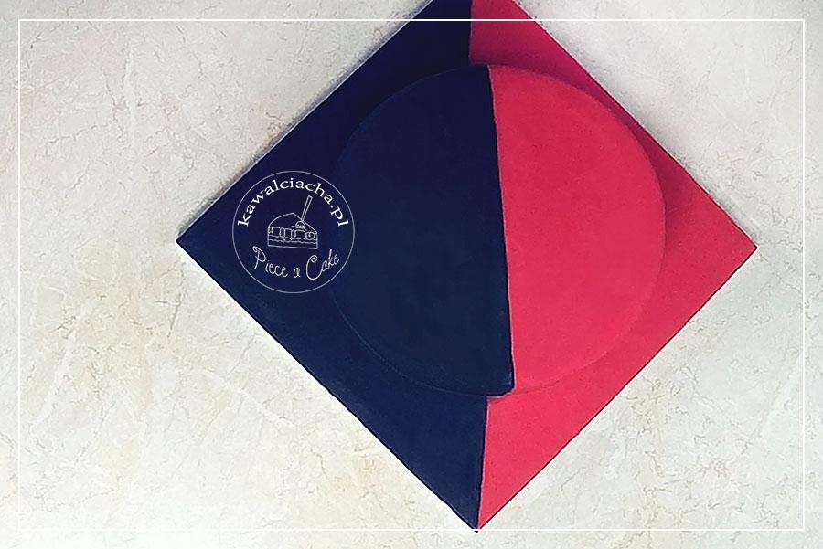 Obrazek: Tort czarno czerwony pół na pół