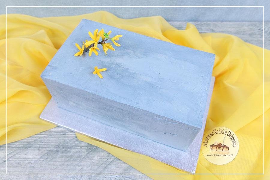 Męski tort w kształcie bryły betonu