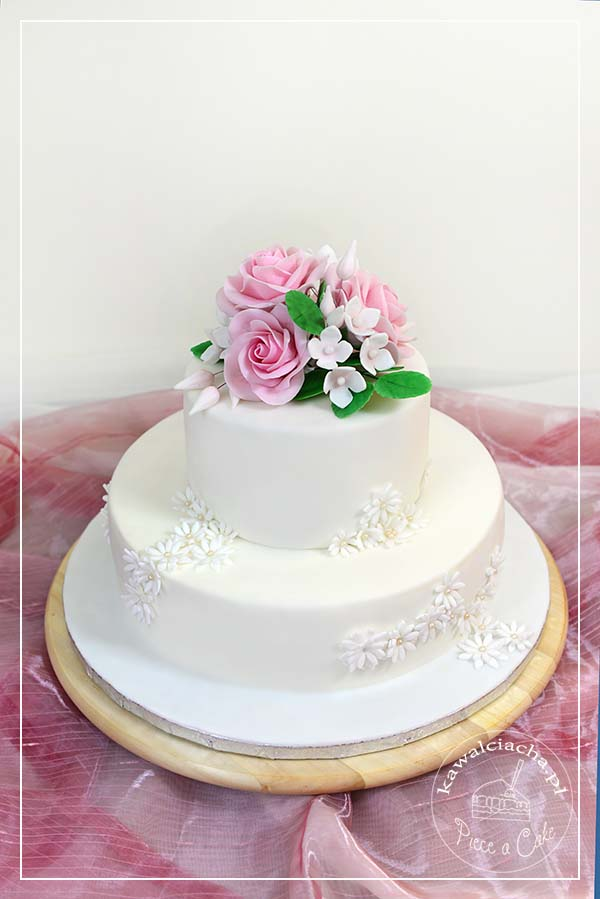 Klasyczny tort komunijny