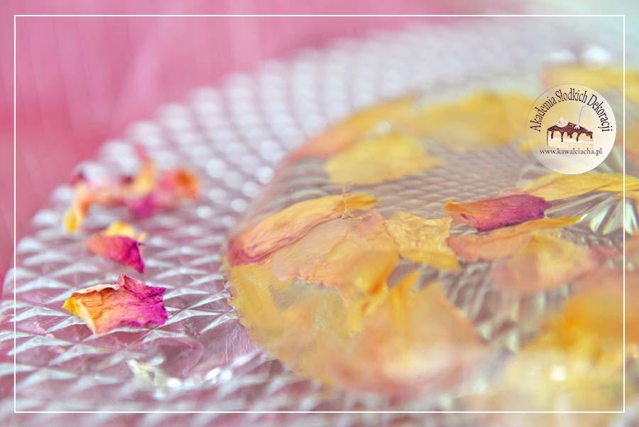 Żelka do tortu o smaku dzikiej róży