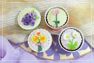 Babeczki z wiosennymi kwiatami
